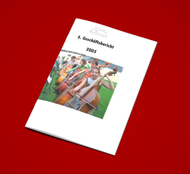 Teaser Bild von Geschäftsbericht 2005 zum Download (PDF, 2 MB)